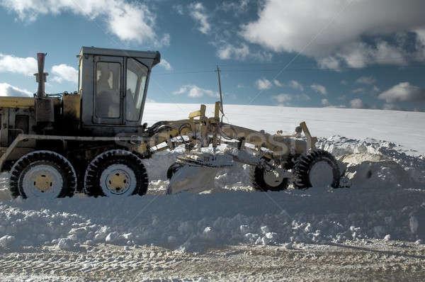 Sneeuw weg sneeuwstorm werk vrachtwagen snelweg Stockfoto © Aikon