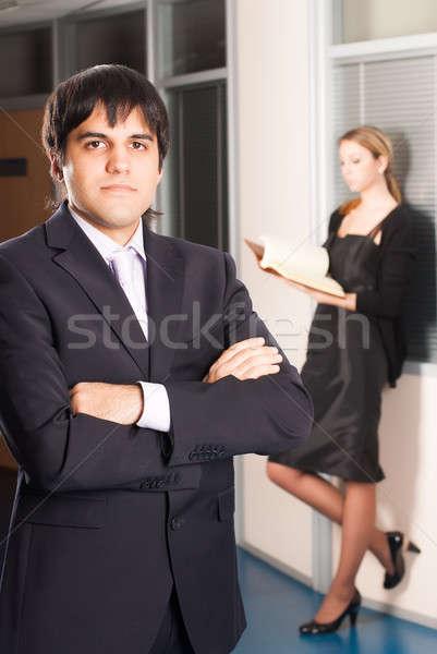 Empresário escritório jovem em pé feminino colega Foto stock © Aikon