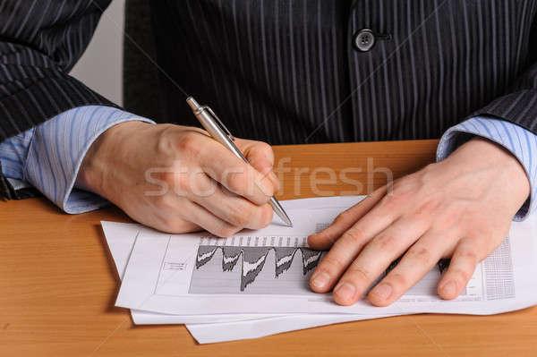 Business grafiek zakenman pen financiële staafdiagram Stockfoto © Aikon