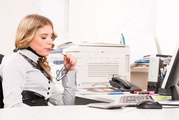 Jonge zakenvrouw zakenvrouw vergadering kantoor Stockfoto © Aikon