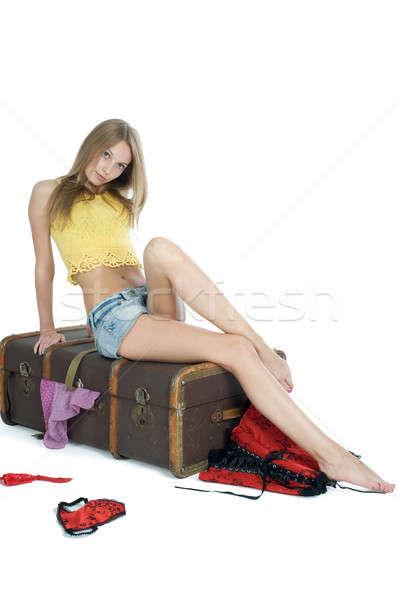 Hermosa niña maleta mujer atractiva cerca mujer belleza Foto stock © Aikon