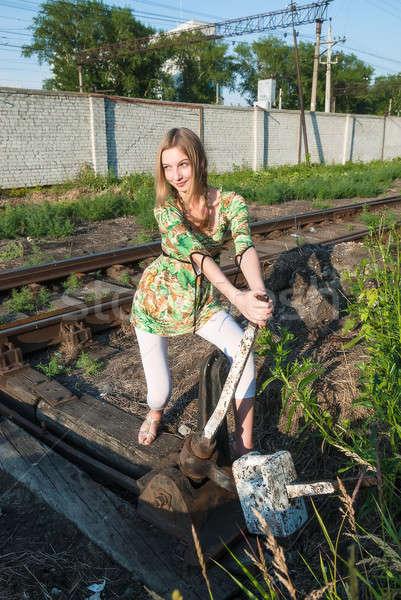 かなり 少女 鉄道 スイッチ 魅力的な 若い女性 ストックフォト © Aikon