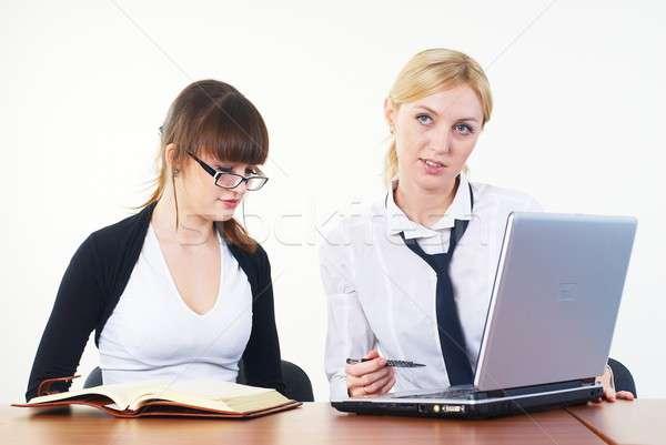 会議 小さな ビジネス 女性 2 実業 ストックフォト © Aikon