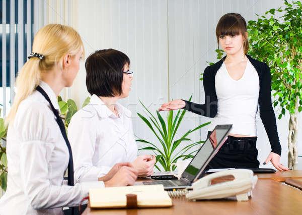 女性実業家 プレゼンテーション オフィス 独自の ビジネス ストックフォト © Aikon