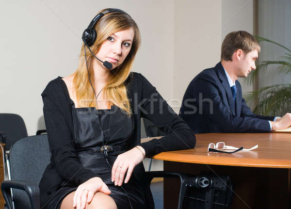 Belo mulher de negócios fone bastante escritório negócio Foto stock © Aikon