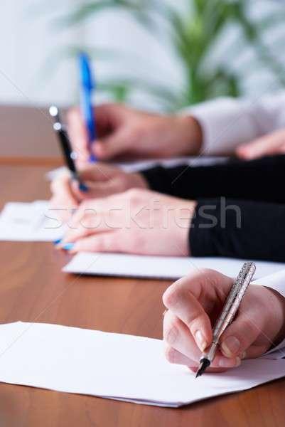 書く 少女 小さな ビジネス女性 文書 オフィス ストックフォト © Aikon