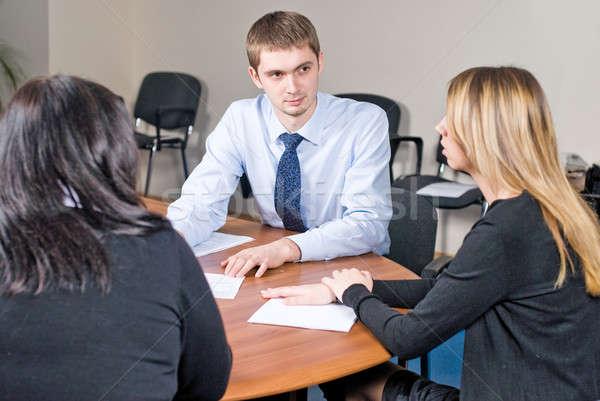Reunión de negocios oficina joven ideas negocios Foto stock © Aikon