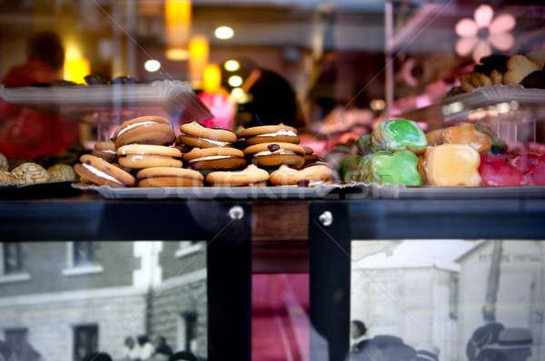 Sütik sütemény kirakat választék torták muffinok Stock fotó © Ainat