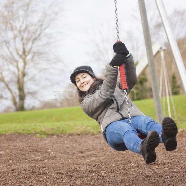 若い女性 楽しむ 遊び場 クローズアップ 冬 女性 ストックフォト © Aitormmfoto