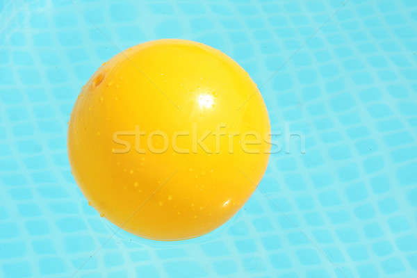 мяча бассейна желтый Бассейн подобно Сток-фото © ajfilgud