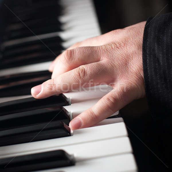 Piyano oynama parmaklar müzik el Stok fotoğraf © ajfilgud