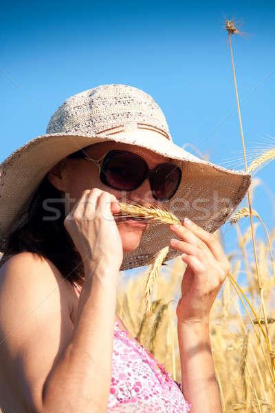 пшеницы женщины фермер лет день Сток-фото © ajfilgud