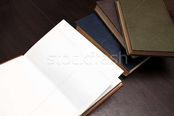 открытой книгой один книга пустая страница темно Сток-фото © ajfilgud