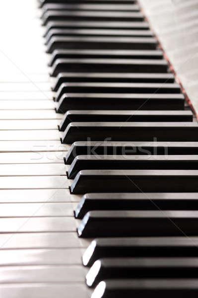 Zongora billentyűk fehér zongora kulcsok mérleg nézőpont Stock fotó © ajfilgud