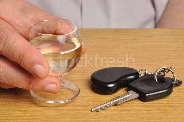 Ital vezetés valaki alkohol slusszkulcs asztal Stock fotó © ajt