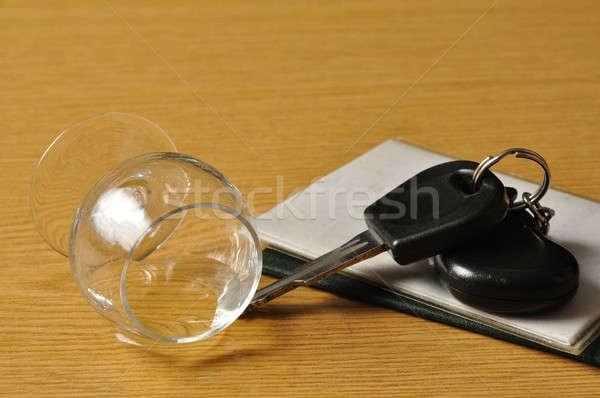 Ital vezetés üveg alkohol slusszkulcs asztal Stock fotó © ajt
