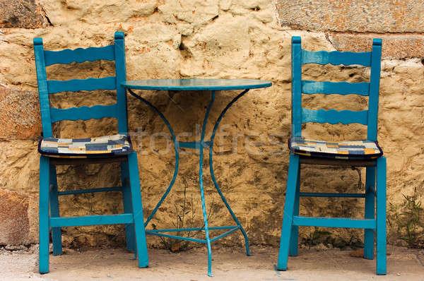 Azul tabela cadeiras país café Foto stock © akarelias