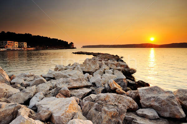 Pôr do sol Grécia imagem cidade rochas Foto stock © akarelias