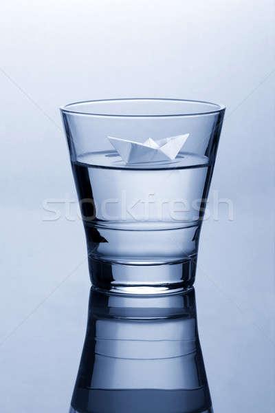 Glas water papier origami boot Stockfoto © Akhilesh