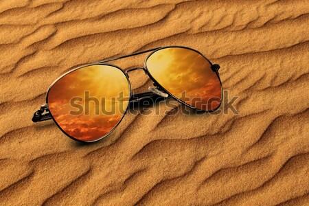 Vieux sable nouvelle réflexions lunettes de soleil nuages Photo stock © Akhilesh