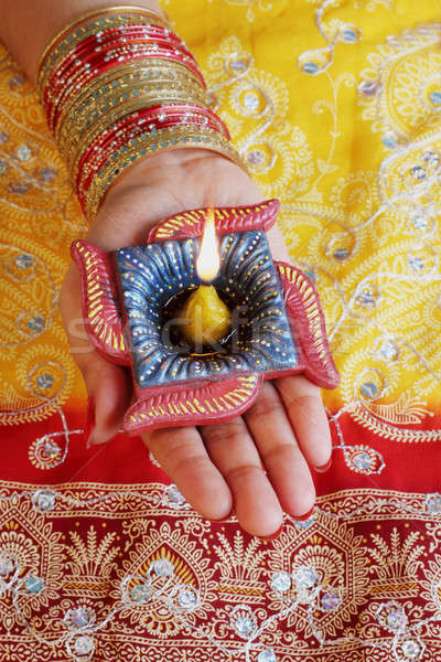 Stockfoto: Indian · festival · diwali · lamp · vrouwelijke · hand