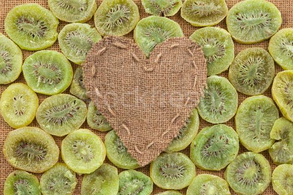 Coração pano de saco mentiras secas kiwi lugar Foto stock © alekleks
