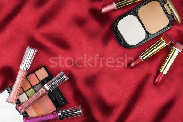 Foto stock: Belo · quadro · cosmético · vermelho · cetim · espaço