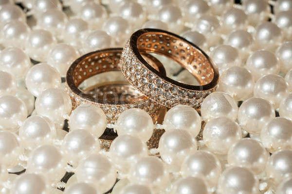 обручальными кольцами любви черный золото подарок кольца Сток-фото © alekleks