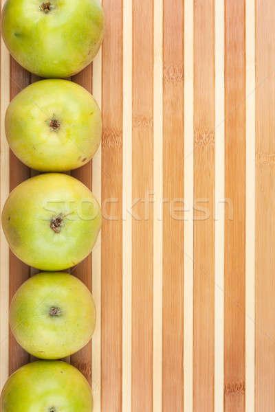 Verde manzanas mentir bambú utilizado manzana Foto stock © alekleks