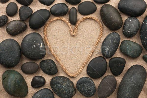 Сток-фото: красивой · кадр · веревку · форме · сердце · черный