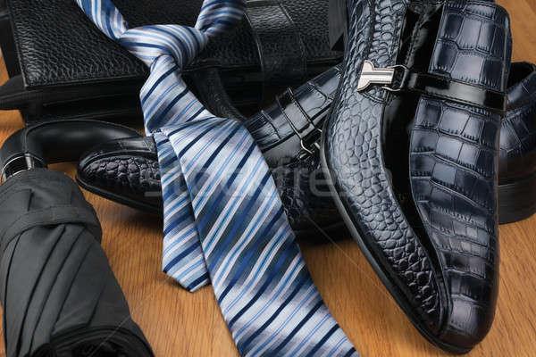 Classique chaussures cravate parapluie sac Photo stock © alekleks