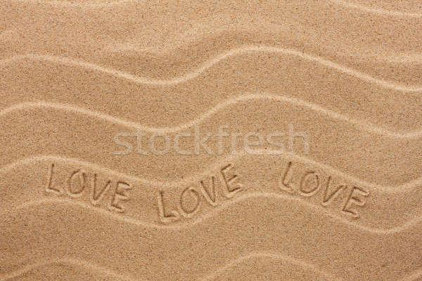 Miłości napis falisty piasku plaży strony Zdjęcia stock © alekleks