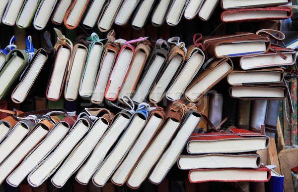 Kitaplar raf bağbozumu kitap kütüphane üniversite Stok fotoğraf © alessandro0770