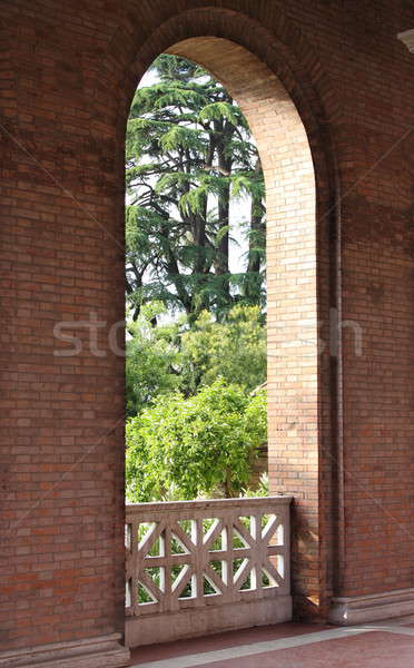 Balcon grădină romantic marmură frumos biserică Imagine de stoc © alessandro0770