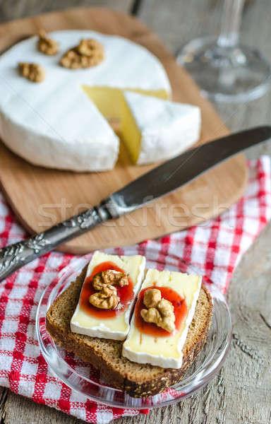 Camembert pane alimentare blu colazione Foto d'archivio © Alex9500