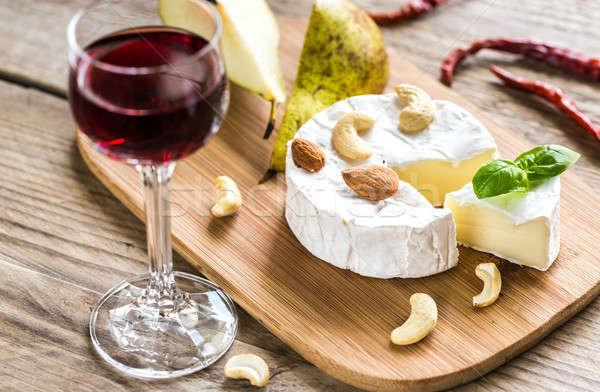 Camembert queso alimentos vidrio mesa rojo Foto stock © Alex9500