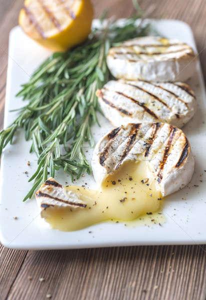 A la parrilla camembert queso romero mesa cabeza Foto stock © Alex9500