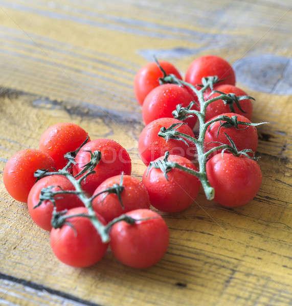 Taze kiraz domates ahşap masa bahçe arka plan Stok fotoğraf © Alex9500