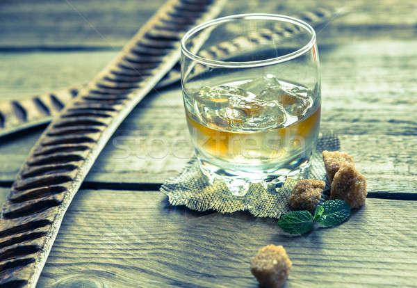 Vetro rum legno party ghiaccio bar Foto d'archivio © Alex9500