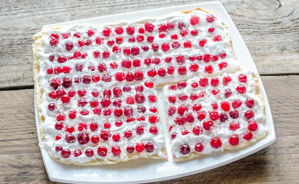 Torta tejszínhab friss áfonya étel asztal Stock fotó © Alex9500