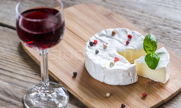 Queijo camembert queijo comida vidro tabela vermelho Foto stock © Alex9500
