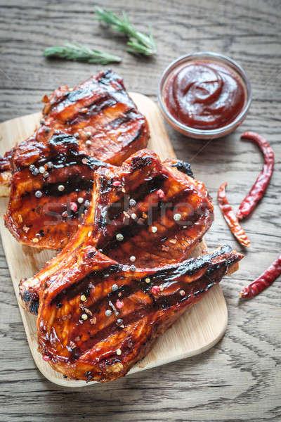 Foto d'archivio: Alla · griglia · carne · di · maiale · legno · rosso · carne