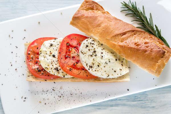 Szendvics szeletel friss paradicsomok mozzarella kenyér Stock fotó © Alex9500