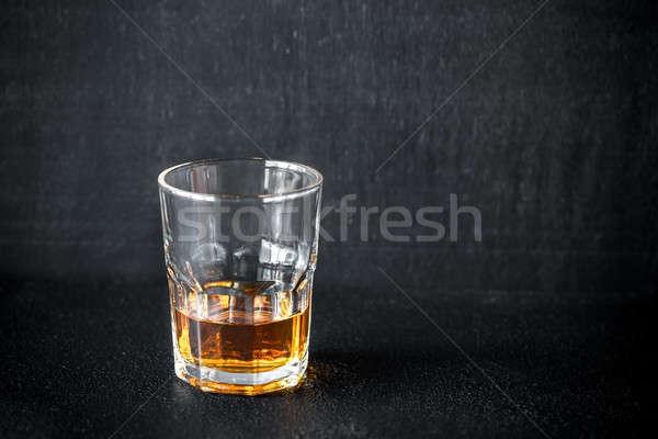 Vetro rum buio sfondo tavola bar Foto d'archivio © Alex9500