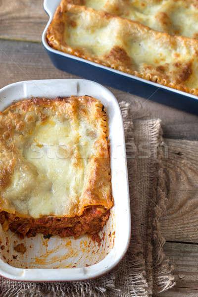 Foto d'archivio: Piatto · lasagne · tavolo · in · legno · ristorante · carne · pomodoro
