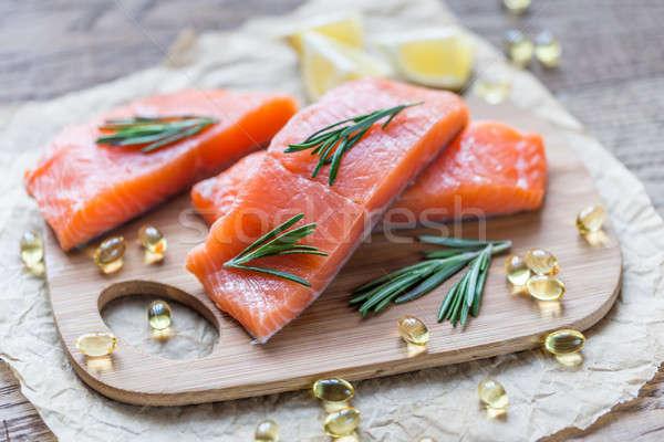 Omega3 ácido salmón pastillas crudo Foto stock © Alex9500