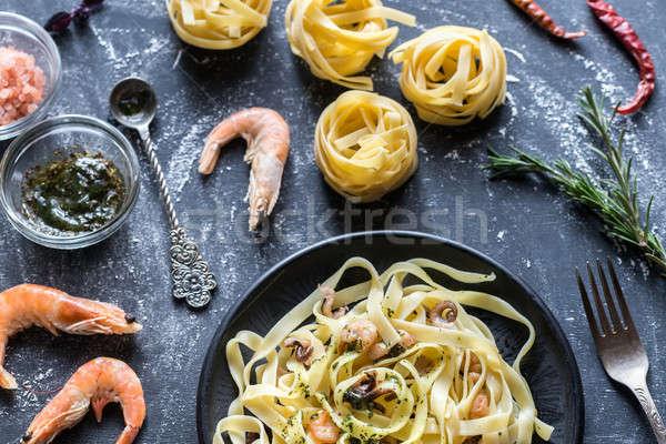 Tagliatelle macarrão frutos do mar comida mar prato Foto stock © Alex9500