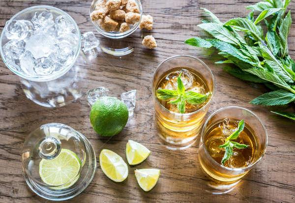 Vetro rum legno occhiali party ghiaccio Foto d'archivio © Alex9500