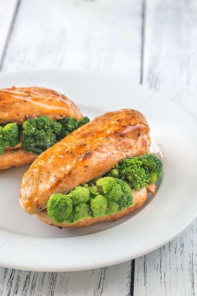 Brócolis recheado peito de frango jantar prato branco Foto stock © Alex9500