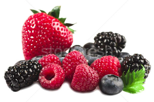 свежие Ягоды клубника малиной BlackBerry изолированный Сток-фото © alex_davydoff